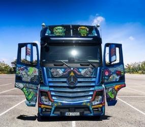 Mercedes-Benz: SpaceTruck z nagrodą Polish Graphic Design Award